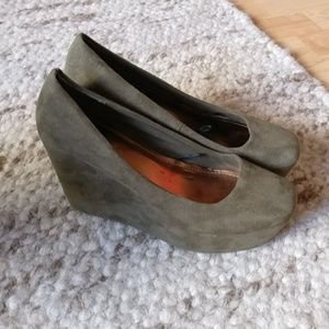 H&M Divided Suede Olive Wedges